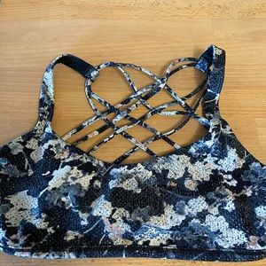 Lululemon sports bra. Size 6